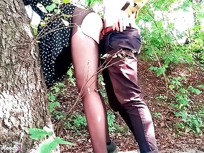 Sexy Teen Deepthroat and Dogging Cock Boyfriend in the Forest