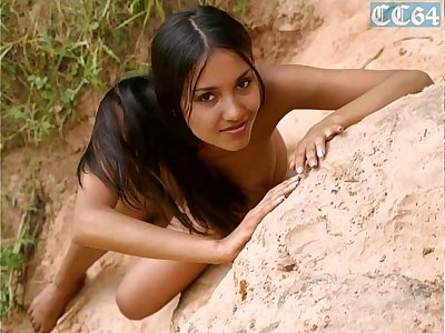 teen Kamilla (Russian, Indian looks) fully naked in nature